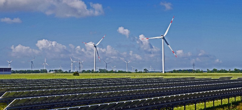 Solarzellen und Windenergie